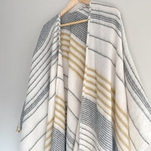 NWT: Billabong Beachy Nights Poncho/Blanket